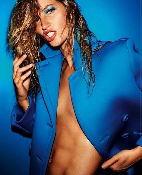 Gisele Bündchen posa para a Vogue francesa