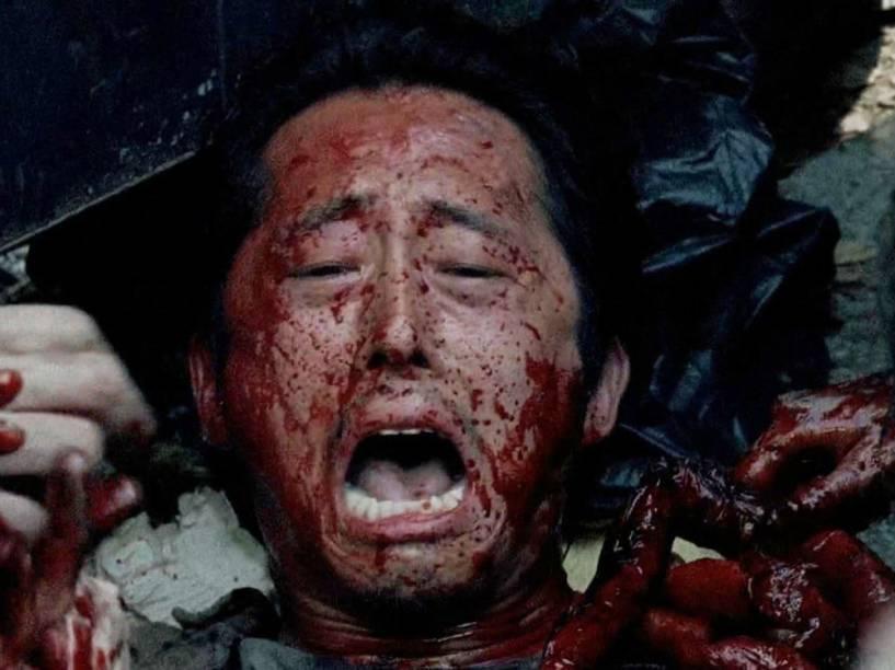 Glenn (Steven Yeun) na cena que abalou os fãs de 'The Walking Dead' na sexta temporada