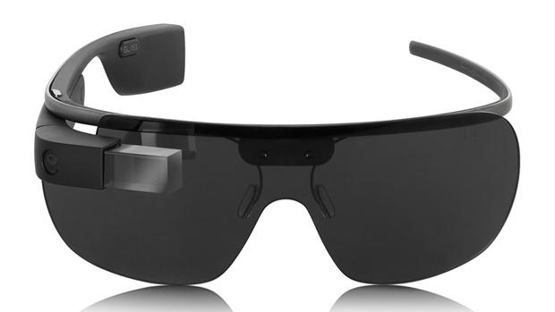 Versão do Google Glass com lentes escuras criada por Diane von Furstenberg