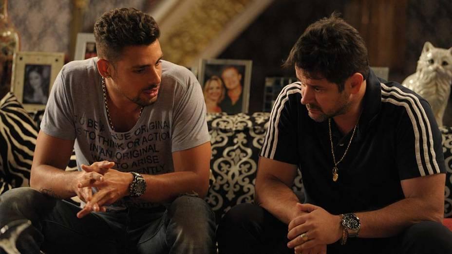 Tufão (Murilo Benicio) e Jorginho (Cauã Reymond) durante gravações de Avenida Brasil