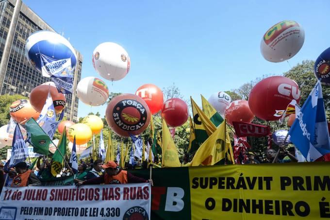 greve-geral-sindicatos-paulista20120101-0035-original.jpeg
