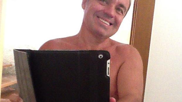 O apresentador Gugu Liberato em foto postada em seu perfil no Instagram