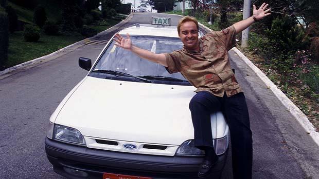 Gugu Liberato durante a gravação do quadro Taxi do Gugu, do Programa de Domingo, do SBT
