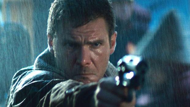 Harrison Ford em cena do filme Blade Runner (1982)
