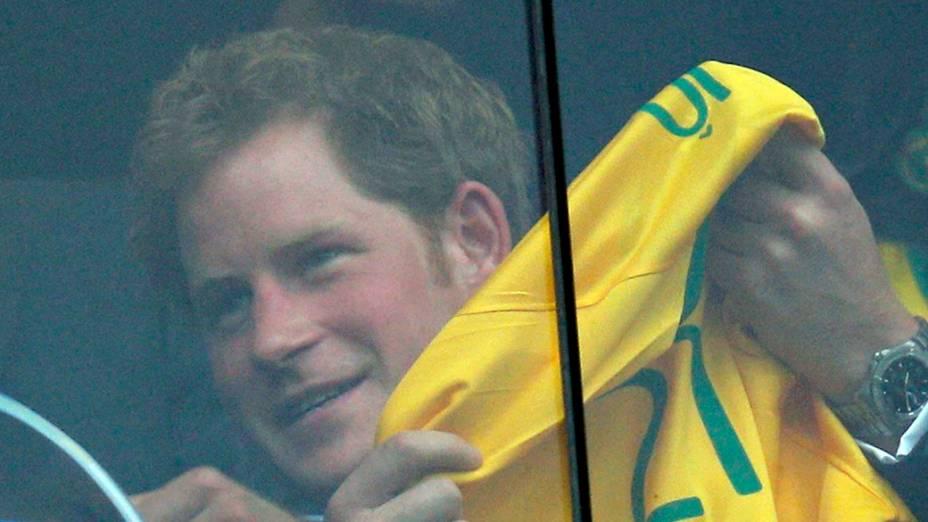 Harry assiste jogo da seleção em Brasília