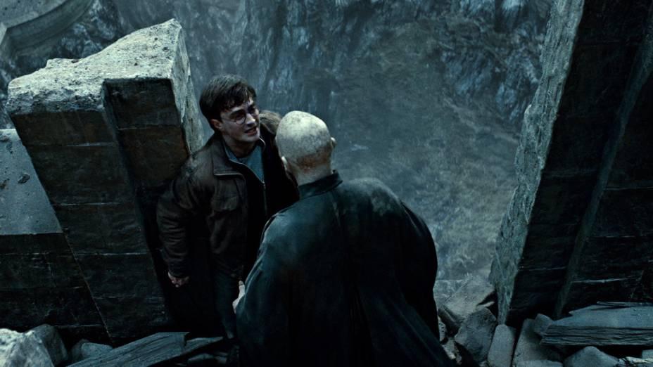 Harry e Voldemort durante cena do filme <em>Harry Potter e as Relíquias da Morte: Parte 2</em>