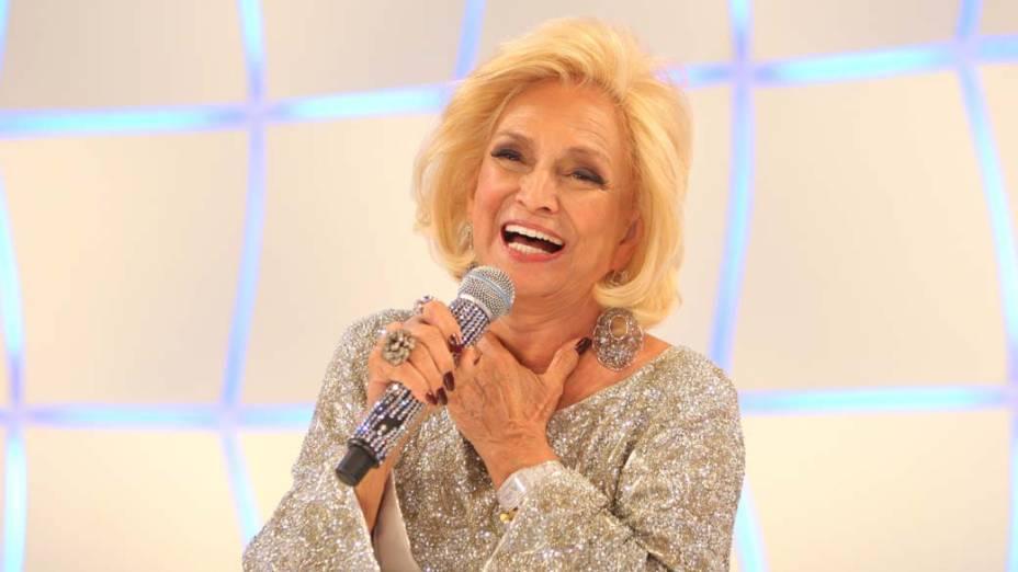 Hebe Camargo comemorando seu aniversário e o retorno ao palco do SBT, após diagnóstico e tratamento de câncer em 2010