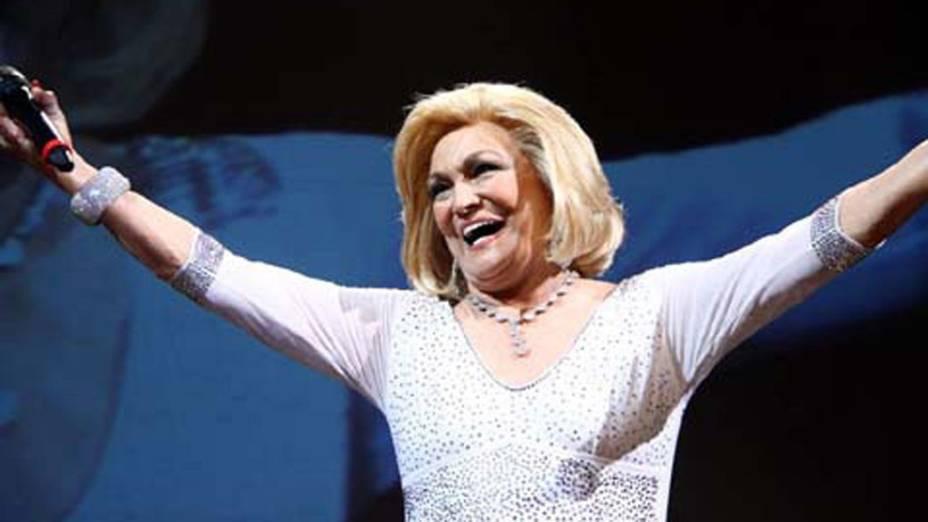 A apresentadora Hebe Camargo homenageada da noite no Prêmio Claudia 2011