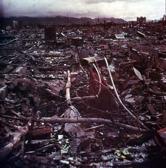 Muitos historiadores acreditam que o bombardeamento do Japão trouxe o fim da Segunda Guerra Mundial. A rendição do país foi assinada menos de um mês depois, em 2 de setembro de 1945