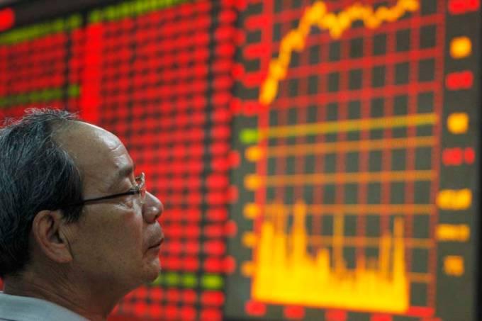 homem-indice-bolsa-valores-china-20110614-01-original.jpeg