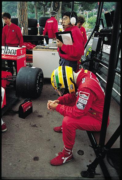 Ayrton Senna no boxe da McLaren durante GP de Mônaco de 1989