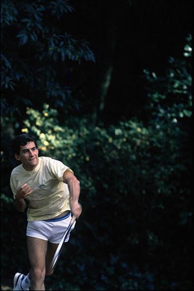 Ayrton Senna jogando tênis