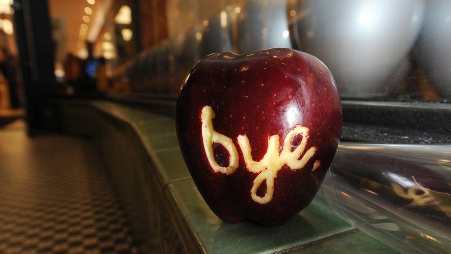 Homenagem a Steve Jobs em frente uma loja da Apple, Califórnia