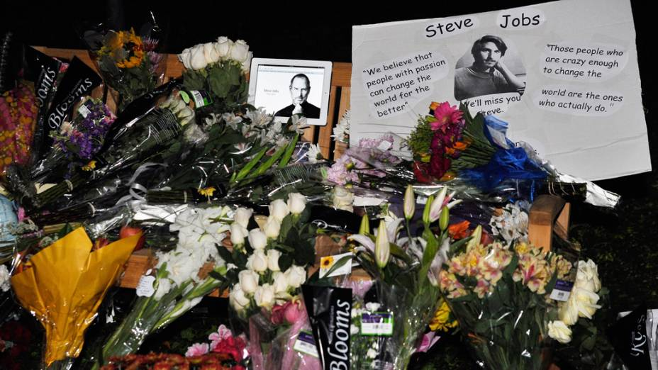 Homenagem a Steve Jobs na Califórnia
