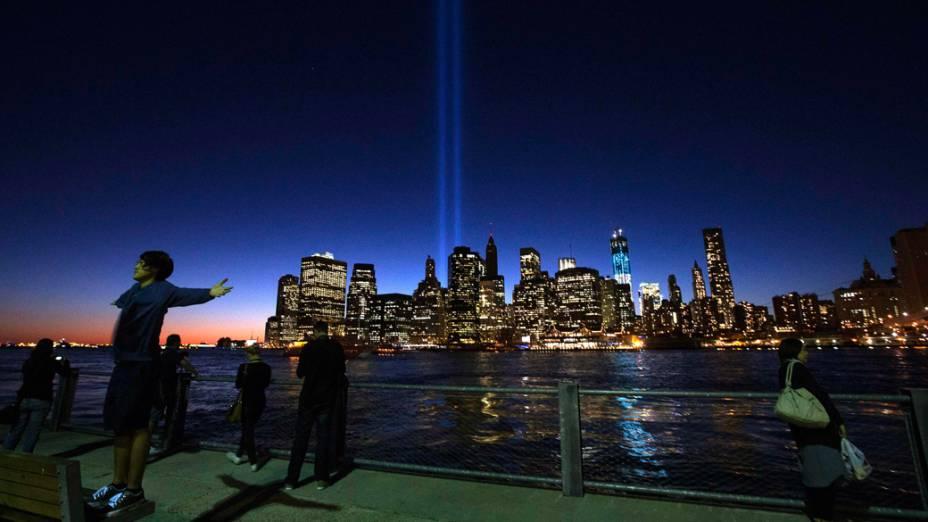 O Tributo, instalação de luzes nos arredores do World Trade Center, em Nova York