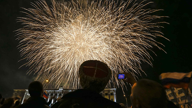 Em Sevastopol, comemoração após referendo de anexação da região da Crimeia à Rússia