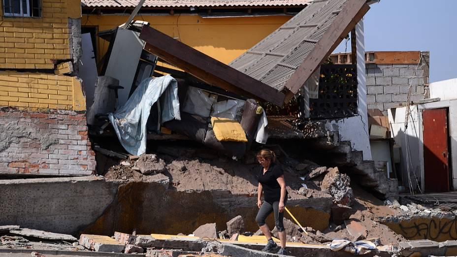 Novo terremoto, de magnitude 7,6 graus, atingiu ontem à noite o extremo norte do Chile, gerando novo alerta de tsunami