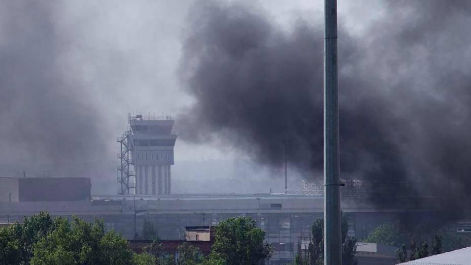 Ao menos 40 pessoas morreram em combates entre tropas ucranianas e milícias no Aeroporto de Donetsk, na Ucrânia