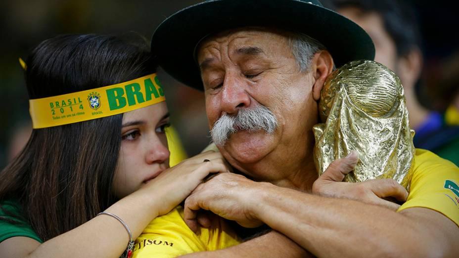 Torcedores lamentam resultado contra a Alemanha