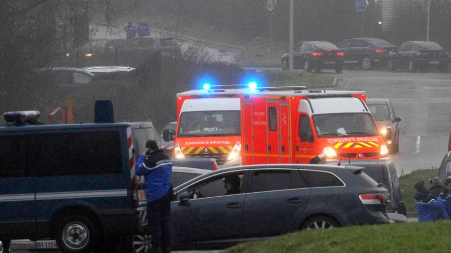 Forças da polícia francesas cercaram, nesta sexta-feira (9) uma empresa na cidade de Dammartin-en-Goële, na região de Seine-et-Marne, a 40 km de Paris