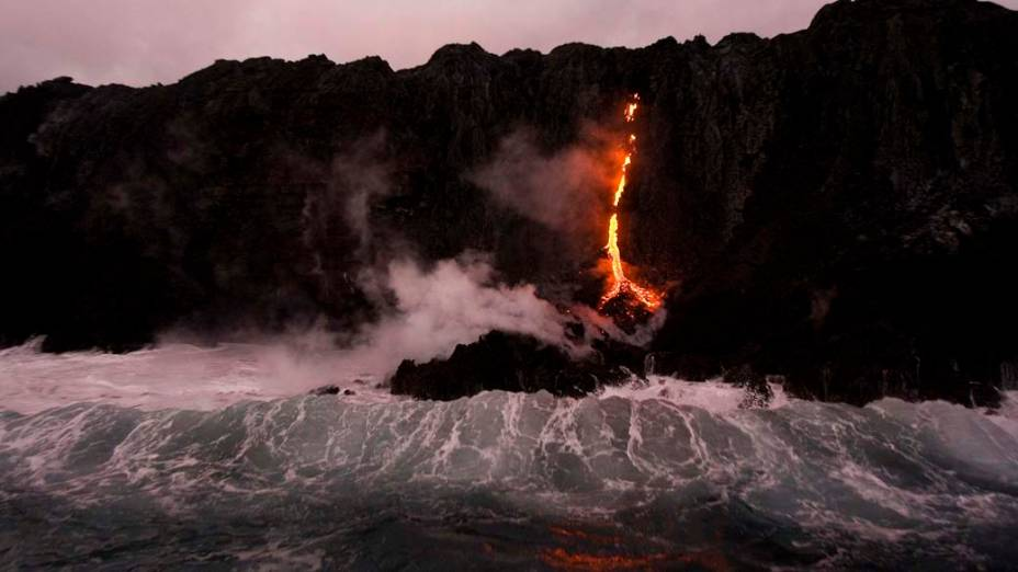 <p>Erupção no Parque Nacional dos Vulcões em Kalapana, Hawai</p>