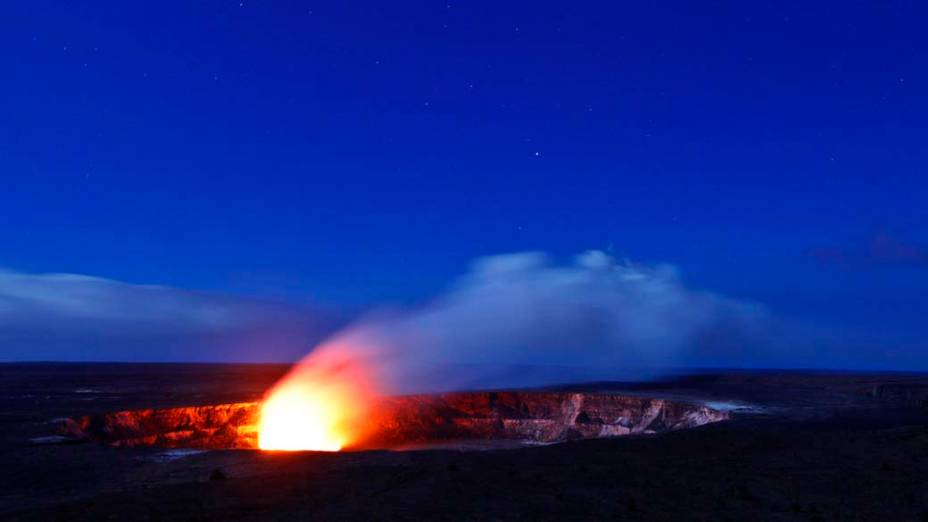 <p>Erupção na cratera Kilauea no Parque Nacional de Vulcões em Kalapana, Hawai</p>