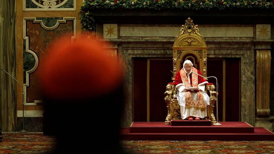 Papa Bento XVI assiste saudações de Natal com a Cúria Romana na Sala Clementina, Vaticano