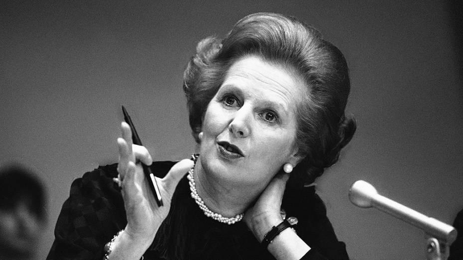 Margaret Thatcher durante coletiva na sede da ONU, em 1984