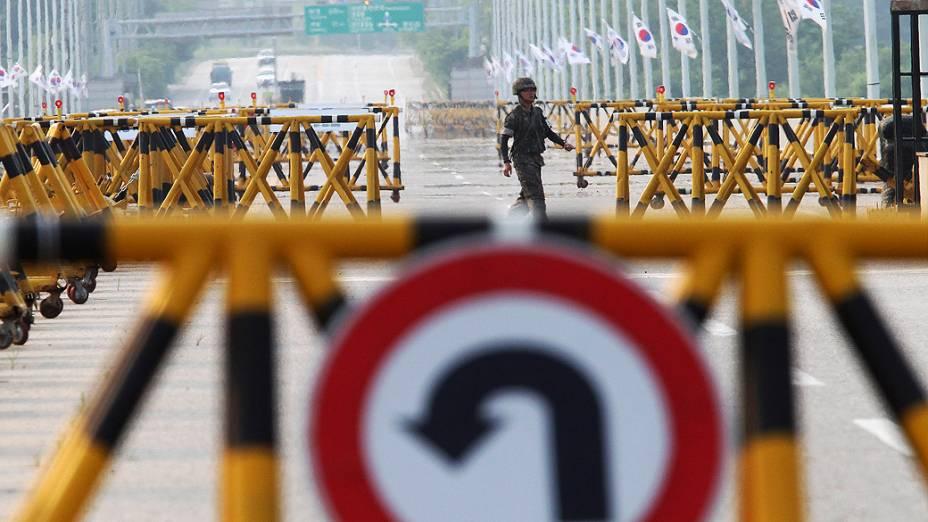 O governo norte-coreano fechou a fronteira com o Sul