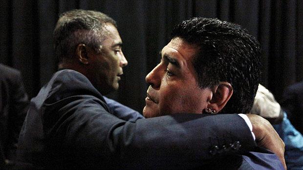 Romário e Maradona em reunião contra a Conmebol, em São Paulo
