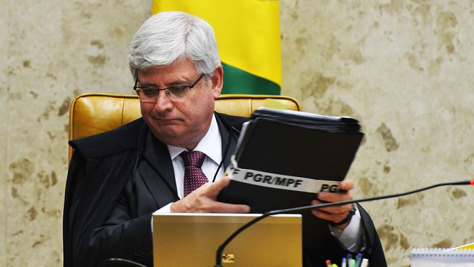 O procurador-geral da República, Rodrigo Janot, durante sessão no plenário do STF (Supremo Tribunal Federal) para julgar os recursos dos 13 réus que não tem direito aos embargos infringentes no processo do mensalão, nesta quarta-feira (13)