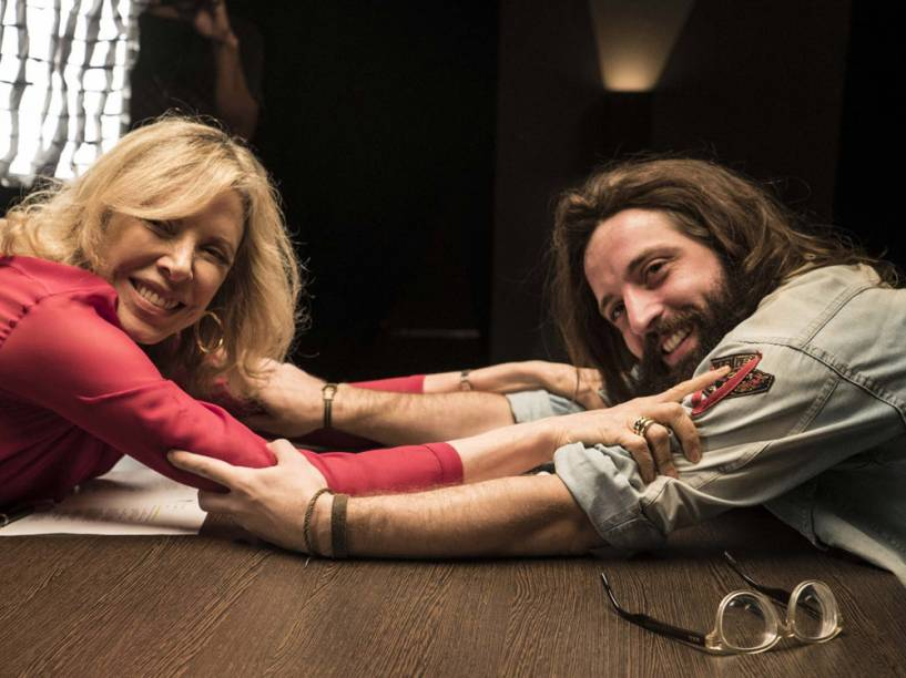 Marilia Gabriela e Gregorio Duvivier nas gravações de Porta dos Fundos - Contrato Vitalício