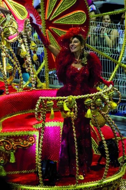 Marília Pêra é homenageada pela Mocidade Alegre no Carnaval 2015