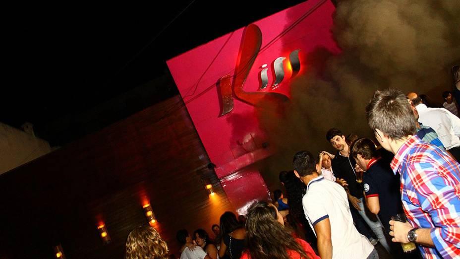 Fotos da noite do incêndio na boate Kiss, em Santa Maria