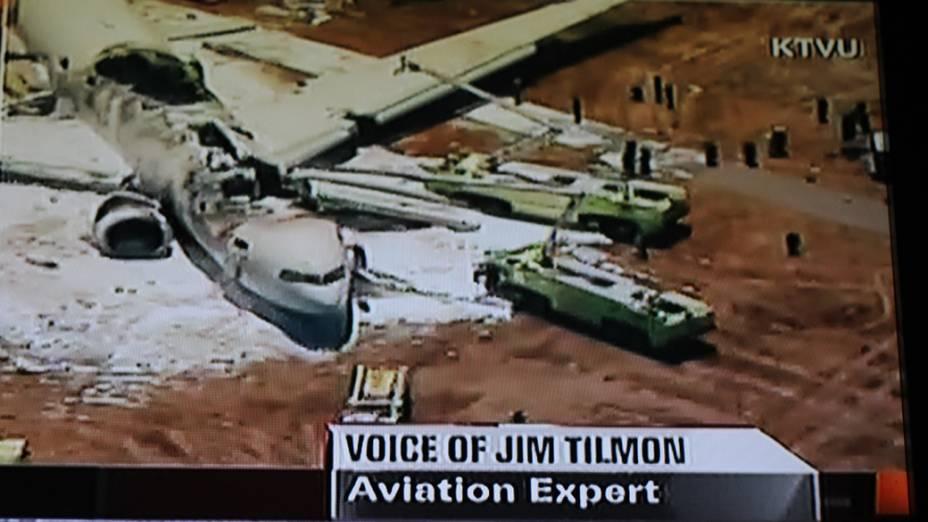 Avião pega fogo após pouso forçado no aeroporto de San Francisco, nos Estados Unidos
