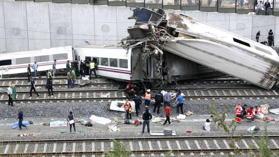Descarrilamento de trem em Santiago de Compostela, Espanha, deixa dezenas de mortos