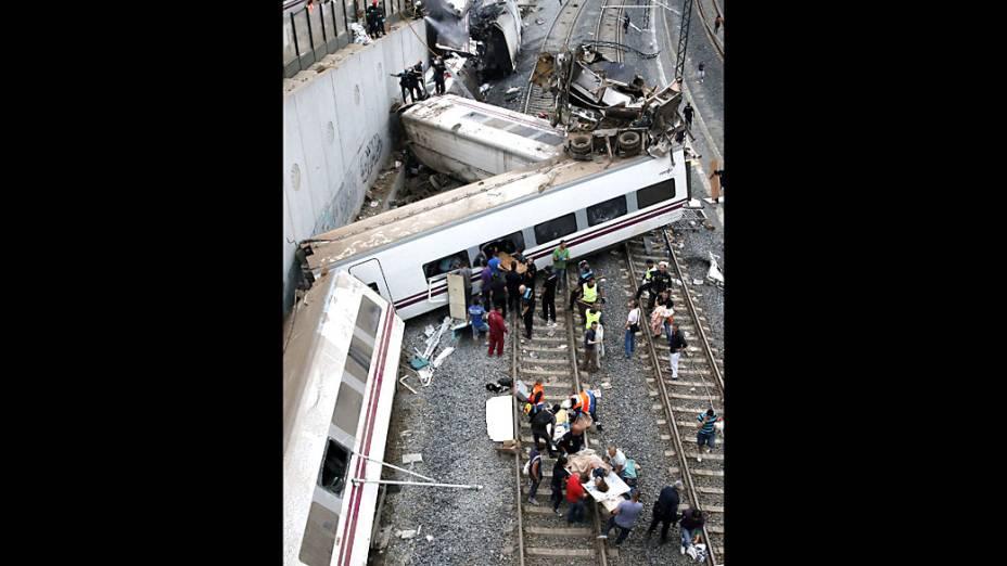 Vagões foram destruídos pelo impacto na entrada da estação de Santiago de Compostela