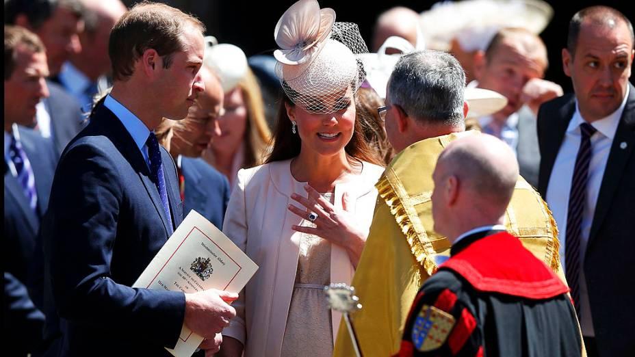 Príncipe William, o duque de Cambridge e  Catherine, a duquesa de Cambridge durante comemoração do 60 º aniversário da coroação da rainha Elizabeth II na Abadia de Westminster, em Londres