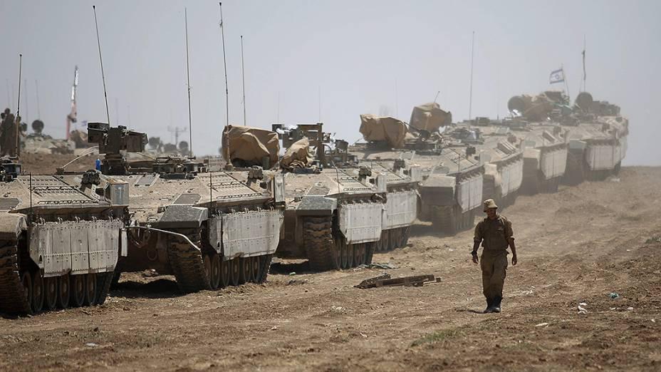 Exército israelense retoma ofensiva na fronteira com a Faixa de Gaza após fim da trégua humanitária - 27/07/2014