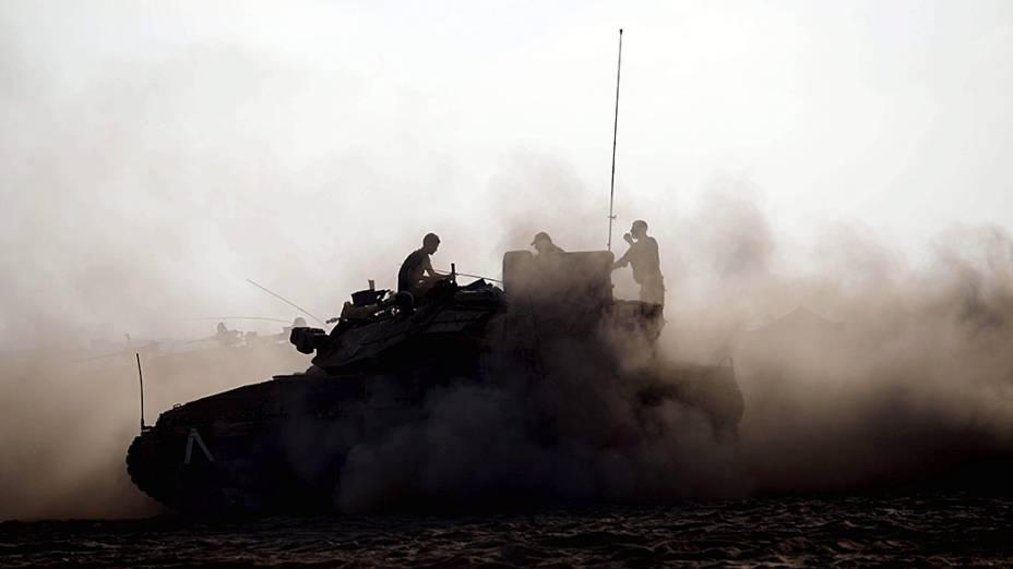 Exército israelense faz manobra próximo a fronteira com a Faixa de Gaza