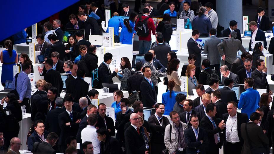 Mobile World Congress, maior feira da indústria mundial de telecomunicações exibe novos dispositivos móveis em Barcelona, Espanha