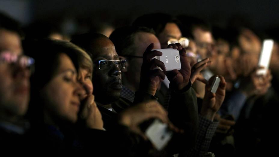 Público durante Mobile World Congress, maior feira da indústria mundial de telecomunicações em Barcelona, Espanha
