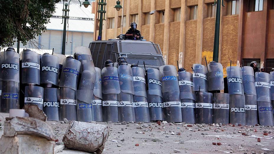 Manifestantes entraram em confronto com a polícia em Alexandria nesta sexta feira (25), no segundo aniversário da revolta que derrubou o presidente Hosni Mubarak