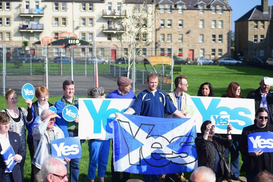 Partidários pela independência da Escócia durante evento em Edimburgo