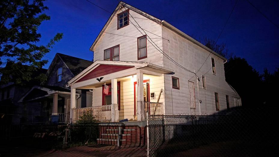 Casa onde três mulheres que tinham desaparecido quando adolescentes há aproximadamente dez anos, e foram encontradas nesta terça em Cleveland, Ohio