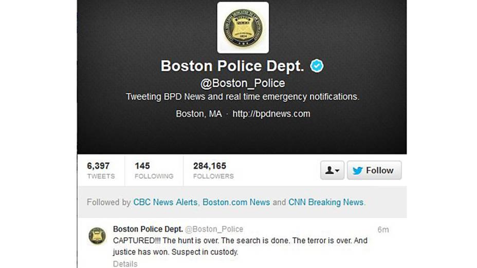 Reprodução da página do Departamento de Polícia de Boston no twitter confirma a captura de Dzhokhar Tsarnaev, suspeito de executar o atendado durante a Maratona