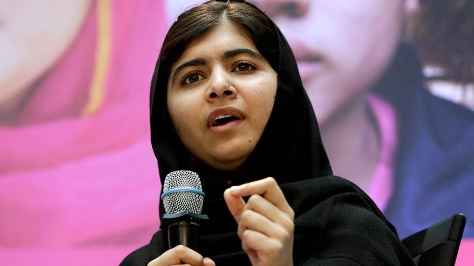 Paquistanesa Malala Yousafzai fala durante uma conferência, no dia internacional da menina (11/10/2013)