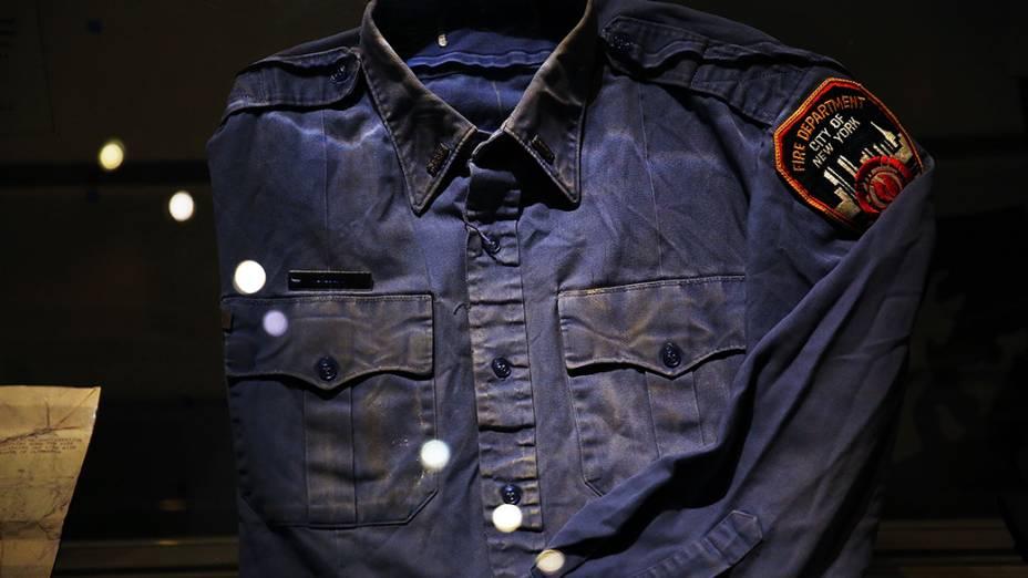 Dezenas de pertences das vítimas do atentado de onze de setembro ficarão expostos no Memorial Nacional do World Trade Centrer, que será inaugurado em Nova Iorque