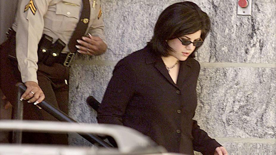 Monica Lewinsky chega ao tribunal do condado de Howard nos Estados Unidos, em 1999