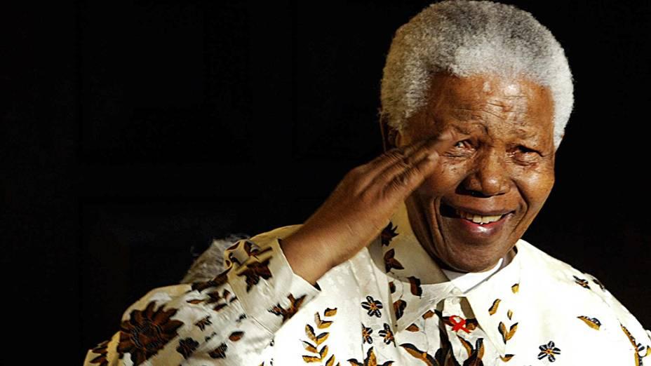 2003 - Nelson Mandela durante a comemoração de seu aniversário de 85 anos